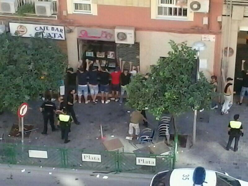 3.001 euros de multa y dos años sin entrar al campo para los 20 identificados en la pelea antes del partido del Córdoba