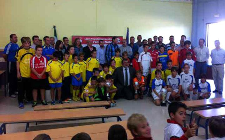 Un total de 24 equipos forman la Liga III Papelería Escolar de fútbol sala
