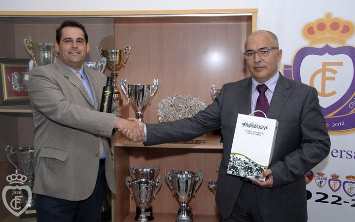 El Sevilla FC será obsequiado con aceite de oliva virgen extra