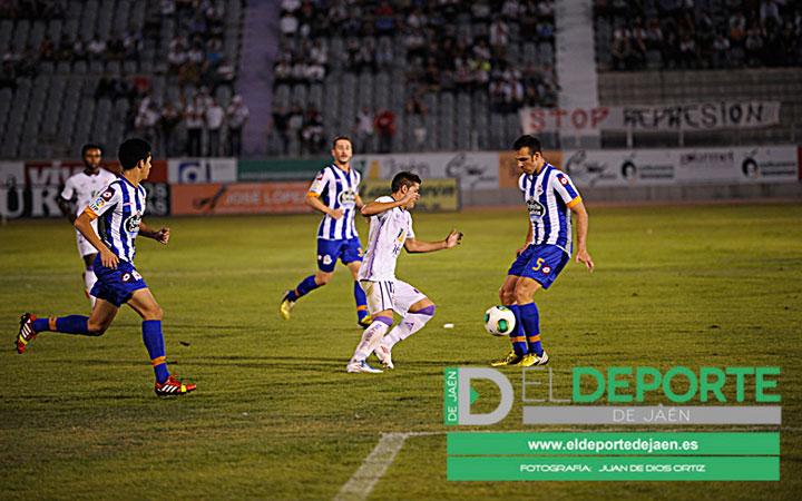 El Deportivo acelera hasta el ascenso directo y el Recre pierde fuelle