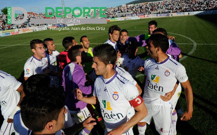 El fútbol le devuelve una al Jaén, que sale del descenso (la crónica)