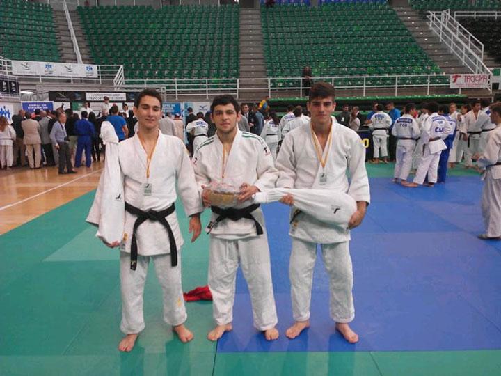 Dos oros y un bronce para los jiennenses en la Copa de España Júnior de judo