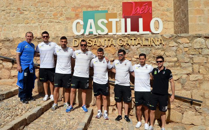 Jugadores del Jaén P.I. conocen a fondo el Castillo de Santa Catalina
