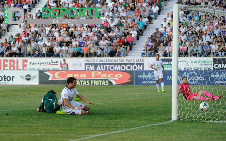 La Ponfe se aprovecha del titubeo del Real Jaén (la crónica)
