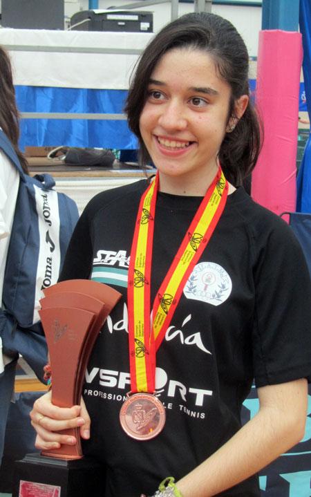 Tercer puesto para Alejandra Alejo en el Campeonato de España de tenis de mesa