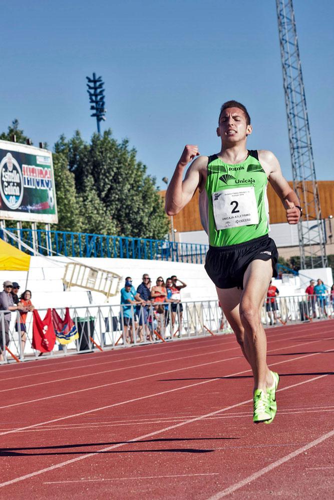 Una decena de medallas del Unicaja Atletismo en el Andaluz Absoluto