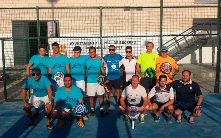 El equipo de Peal de Becerro vence en el I Campeonato de Pádel de su localidad