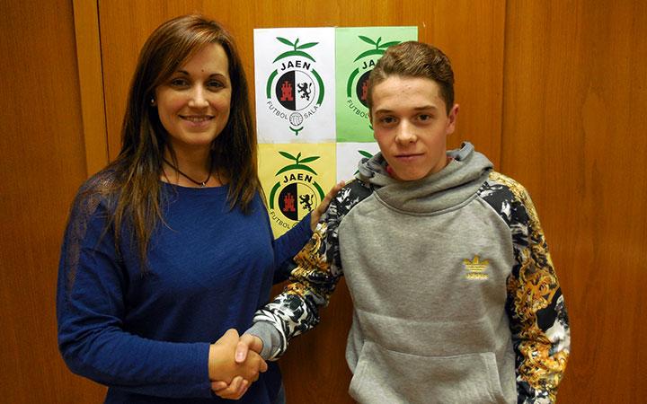 El joven Ginés Paz firma por tres temporadas con el Jaén FS