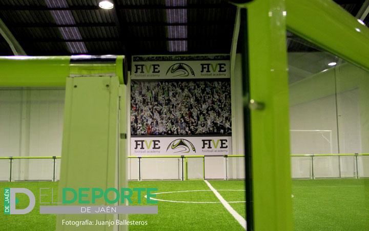 Un nuevo concepto futbolístico en Jaén abre sus puertas: Five Fútbol