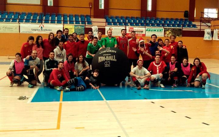 Martos acogió el IV torneo de Navidad de kinball con medio centenar de participantes