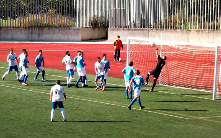 Los Villares se lleva el derbi frente el Mancha Real (análisis de la Tercera)