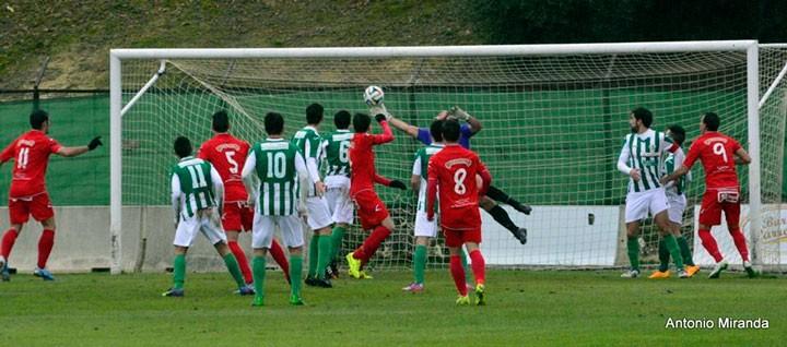 Atlético Mancha Real y Linares empatan en el derbi provincial (análisis de la Tercera)