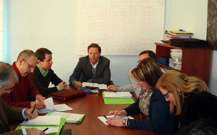 El Patronato de Deportes aprueba los presupuestos y estudia la organización de un partido internacional de fútbol sala