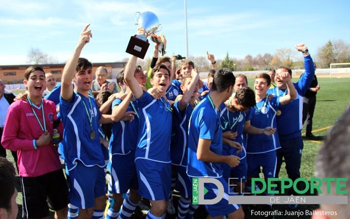 La afición en las finales del Campeonato de Andalucía de fútbol (fotogalería)