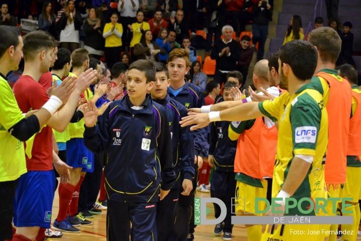 Homenaje de Jaén FS y Mengíbar FS a la selección de Jaén infantil de fútbol sala