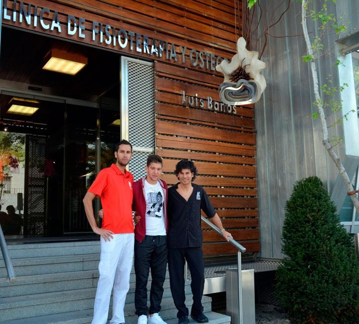 Vietto, del Villarreal CF, recibe tratamiento en la Clínica Luis Baños