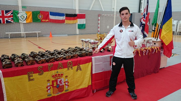 El jiennense Alberto Rubio, campeón mundial de press banca