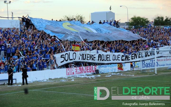 La afición en Linarejos (Linares Deportivo-CD Castellón)