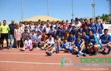 Jugadores del Real Jaén y Linares Deportivo posan conjuntamente en la pasada Copa Diputación. Foto: juanjo Ballesteros.
