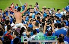Jugadores y afición celebraron la permanencia en Linarejos