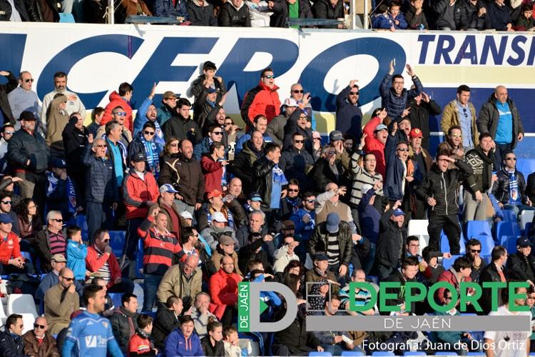 La afición en Linarejos (Linares Deportivo – Jumilla FC)
