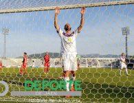El Real Jaén aprieta más pero no logra superar al Real Murcia