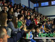 La afición en el pabellón de San Andrés (Atlético Mengíbar – Baeza FS)