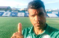 Bodipo se despide de la afición y la plantilla del Atlético Mancha Real