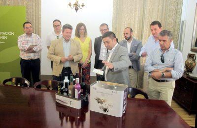 Los aceites 'Jaén Selección' se promocionarán en todas las etapas de la Vuelta Ciclista a España