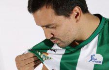 El jiennense Alfonso Sánchez renueva por el Real Betis Energía Plus y seguirá jugando en ACB