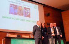 Dani Rodríguez recibe el I Trofeo Luis Rodríguez Olivenza en la Gala Anual de Entrenadores en Jaén
