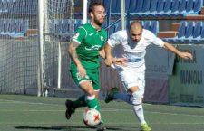 El Mancha Real suma en Vélez un punto en los últimos instantes