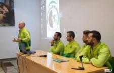 Visita de los jugadores del Jaén FS al centro Divino Maestro de la capital