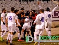 El Real Jaén se abona a la efectividad y vence al Huétor Tájar con un golazo de Mario Martos