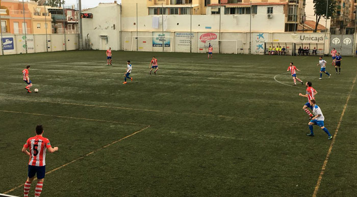 El Torredonjimeno no puede contra el poderío goleador de Antoñín del CD El Palo