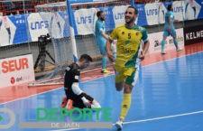 Boyis celebra uno de los goles del equipo amarillo. Foto: Roberto Carmona.
