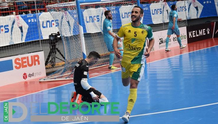 Boyis celebra uno de los goles del equipo amarillo