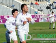 El Real Jaén remonta al Villacarrillo con un colosal Migue Montes