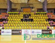 El Jaén FS realiza su foto oficial con las categorías inferiores