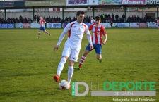 Montiel durante un partido con el Martos ante la UDC Torredonjimeno. Foto: José Fernández.