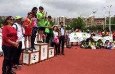 El Meeting Internacional de Atletismo 'Jaén, paraíso interior' recibe a unos 700 escolares de la capital