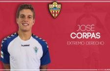 Corpas firma por el Almería