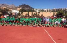 Unos 300 jóvenes disfrutan del deporte en las Escuelas Municipales de Verano de la capital
