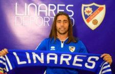 Iván Bazán sale del Linares Deportivo