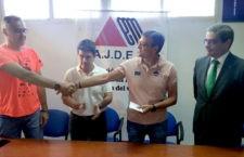 La asociación de Esclerosis Múltiple de Jaén recibe 1.400 euros del I Maratón 'Ciudad de Jaén'