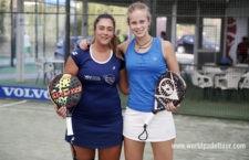 La tosiriana Laura Martínez junto a su compañera Marta Caparrós. Foto: World Padel Tour.