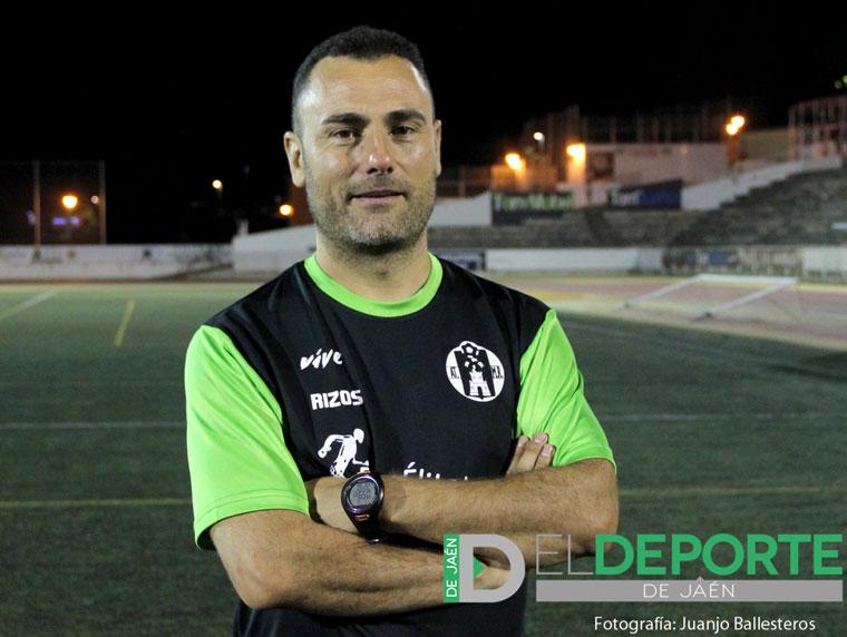 Rizos posa con la camiseta del Atlético Mancha Real
