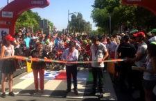 Gran respuesta de aficionados en Linares durante el comienzo de la octava etapa de La Vuelta