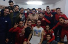 Los jugadores del Torreperogil celebran el triunfo. Foto: CD Torreperogil.