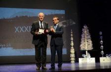 """Vicente del Bosque recoge  el """"Premio Trayectoria Deportiva"""" de Andújar"""
